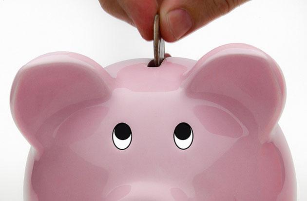"""Dacă economia României e """"roz"""", de ce fug investitorii şi se retrag băncile?"""
